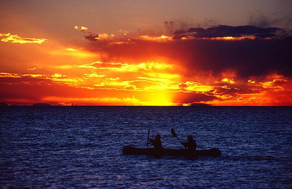 Západ slunce na jezeře Titicaca