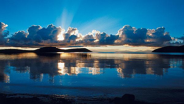 Východ slunce na Isla del Sol