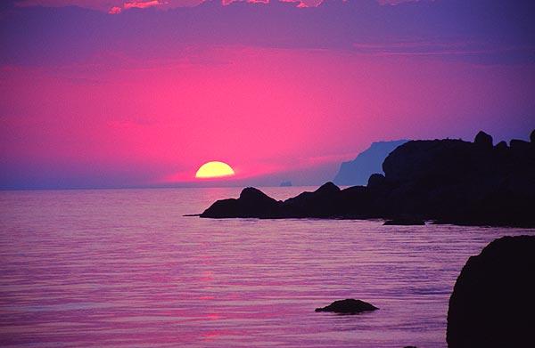 Mys Ája a západ slunce