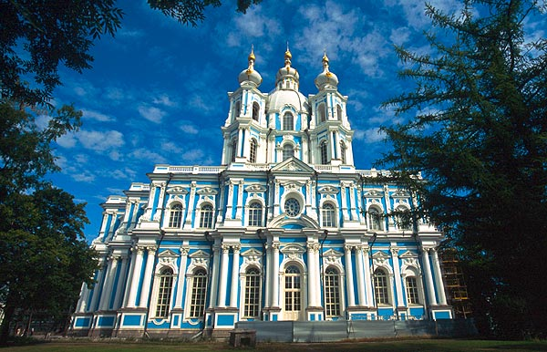 Smolnyj - Rastrelliho chrám