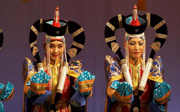 Krojované mongolské tanečnice