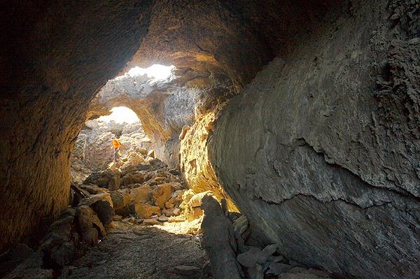 Lávový tunel