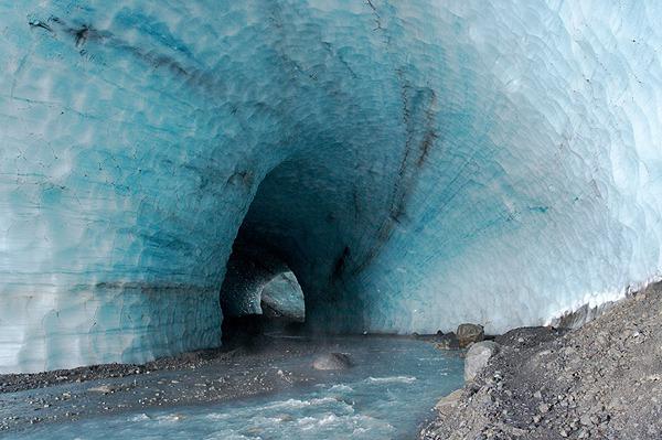 Kverkfjöll, tunel v ledovci