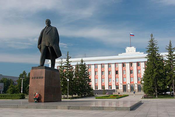Lenin na náměstí v Barnaulu