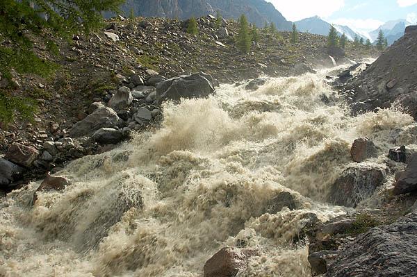 Divoká horská řeka
