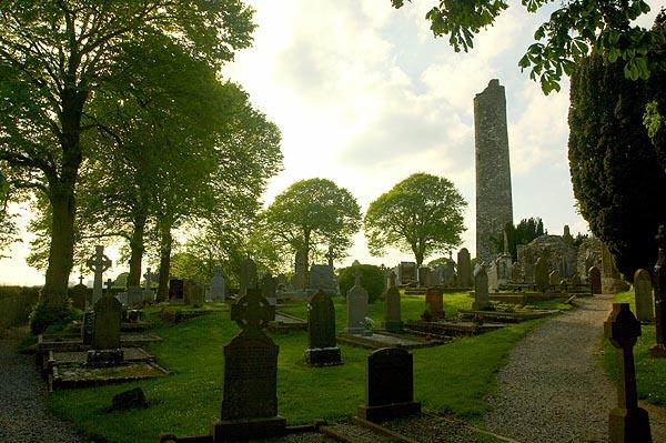 Monasterboice, starý hřbitov