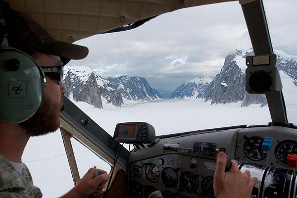 V kabině letadla Beaver