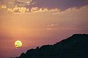 Oranžový západ slunce