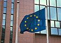 Vlajka EU před Evropskou radou