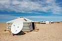 Jurta a satelitní anténa