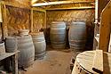 Dřevěné sudy ve spižírně