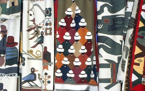Indiánské koberce z Otavala