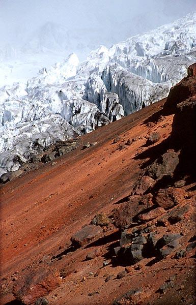 Ledovec a láva na Cotopaxi