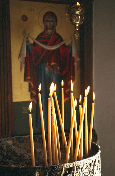 Svícen v pravoslavném kostele