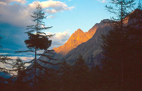 Západ slunce v pohoří Kodar