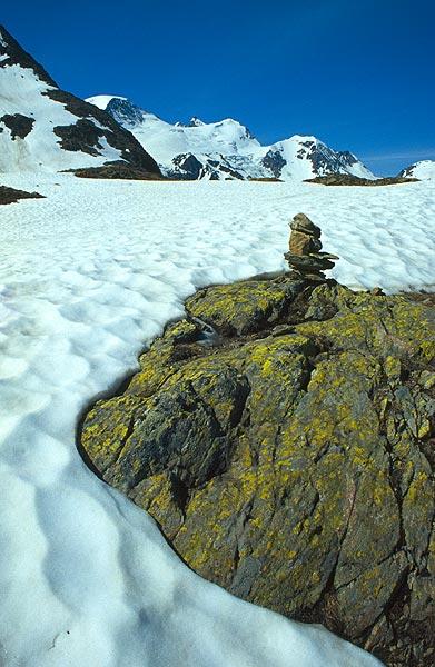Sněhové pole v sedle Sustenpass