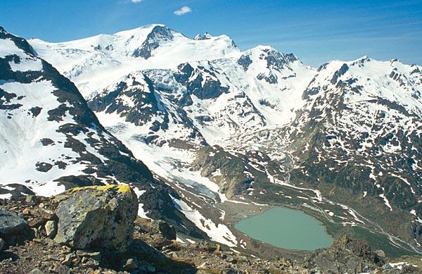 Masiv hory Tierberg nad ledovcem Steingletscher
