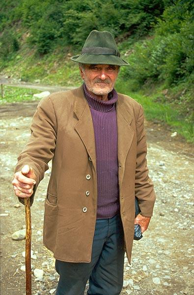 Pastevec na cestě do vesnice