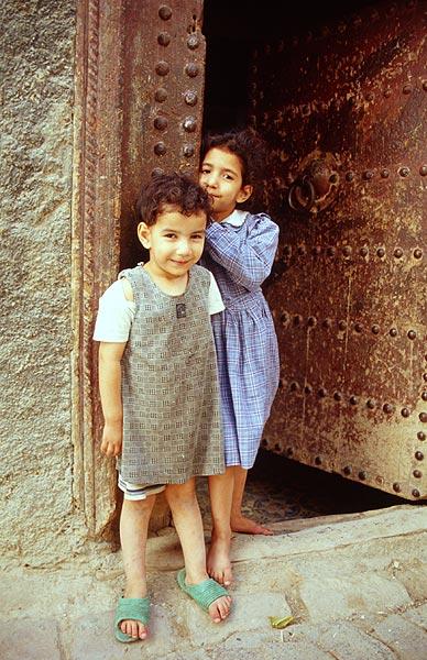 Děti ve dveřích