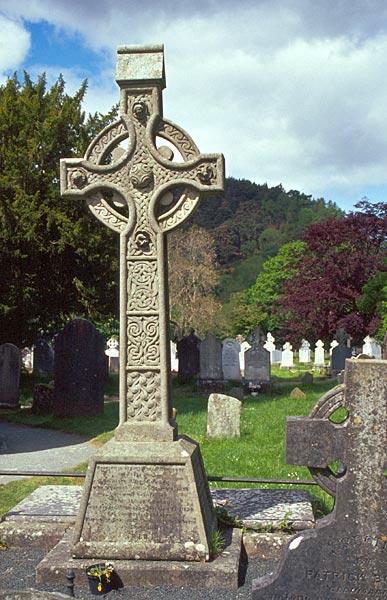 Keltský kříž v Glendalough