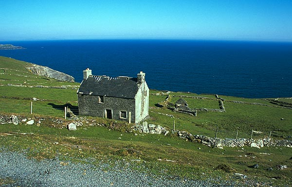 Opuštěný dům u moře