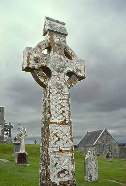 Kříž na hřbitově v Clonmacnoise