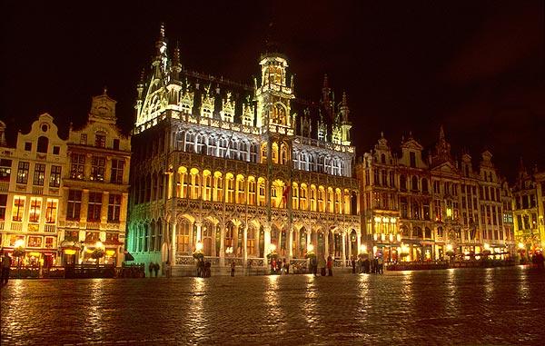 Noční Grand Place