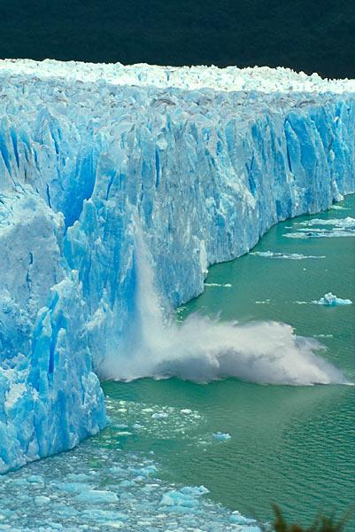 Telení ledovce Perito Moreno