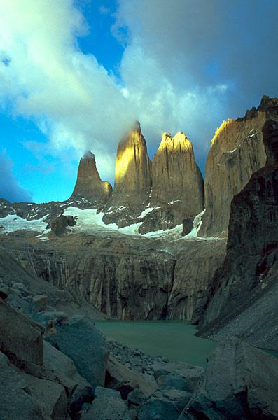 Východ slunce na Torres del Paine