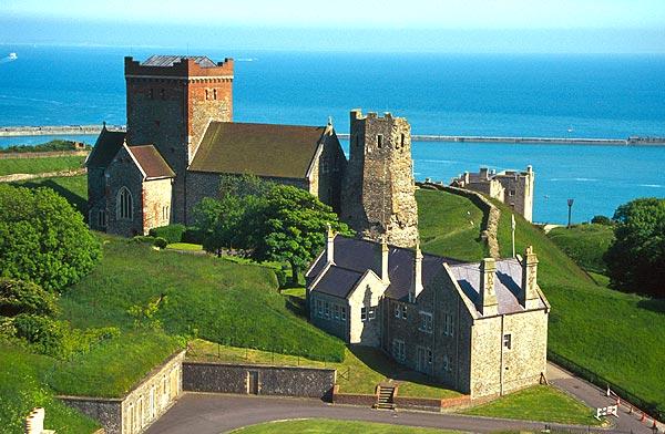 Dover Castle, hrad nad kanálem La Manche