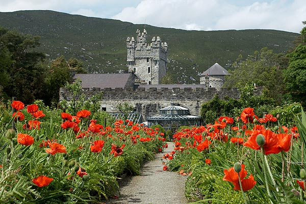 Kvetoucí Glenveagh Castle