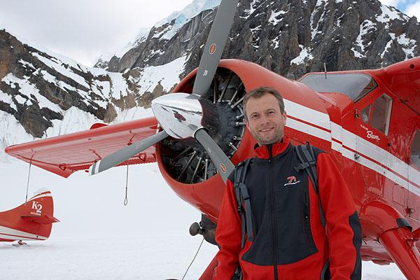 Přistání na ledovci v horách