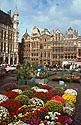 Brusel, květinový trh na Grand Place
