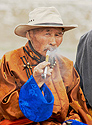 Vášnivý kuřák dýmky
