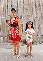 Mongolská maminka s dcerkou
