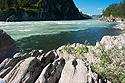 Dvoubarevná řeka